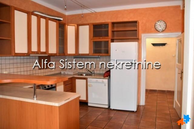 Stan Dvosoban Vračar 600 EUR