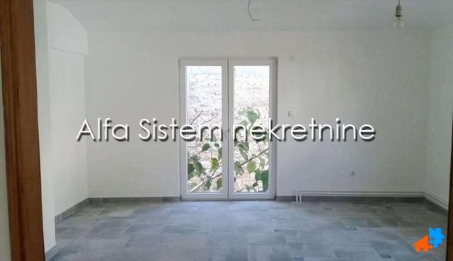 Poslovni prostor Zemun 1100 EUR