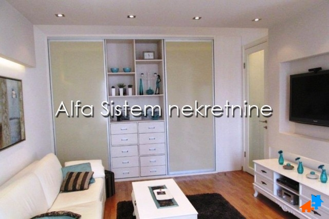 Stan Dvosoban Novi Beograd Belvil 750 EUR