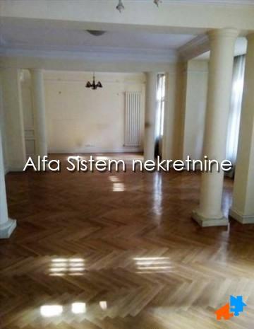 Stan Petosoban Centar Strogi Centar 2000 EUR