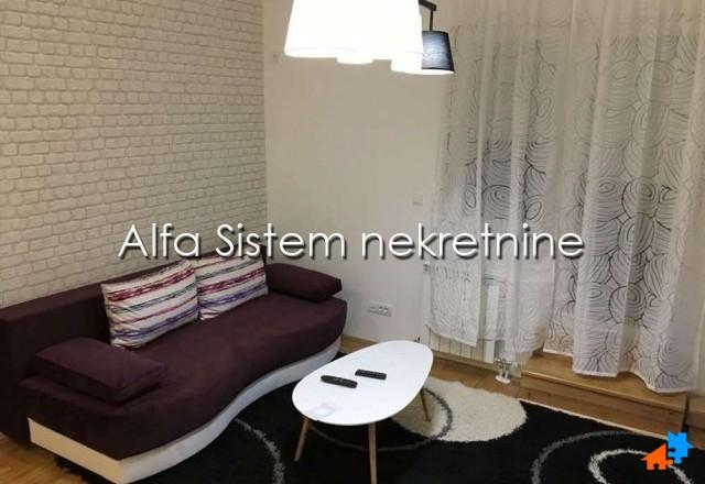 Stan Jednoiposoban Novi Beograd Blokovi 300 EUR