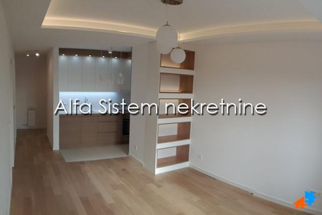 Stan Trosoban Novi Beograd Blok A 900 EUR