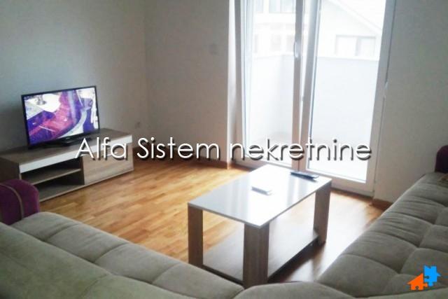 Stan Garsonjera Zvezdara 220 EUR