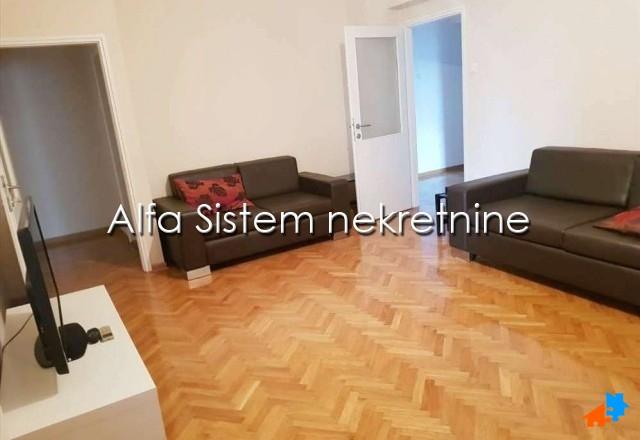 Stan , Beograd (grad) , Izdavanje | Stan Dvosoban Centar Savski Venac 450 Eur