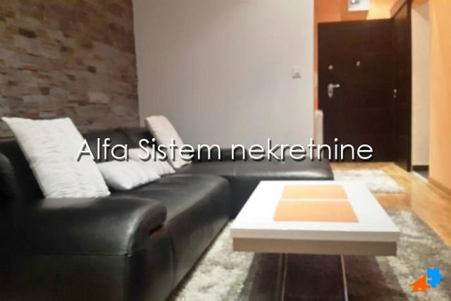 Stan Jednoiposoban Novi Beograd Blokovi 400 EUR