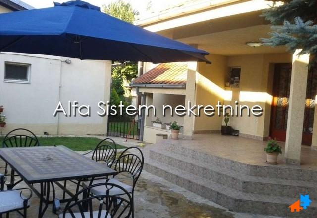 Kuća Zemun 1200 EUR