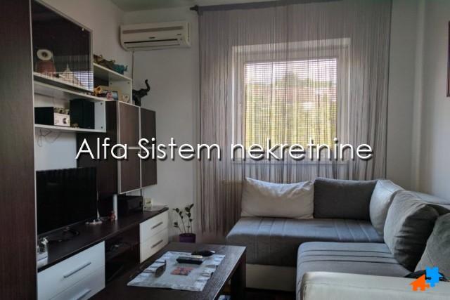 Stan , Beograd (grad) , Izdavanje   Stan Jednoiposoban Mirijevo 300 Eur