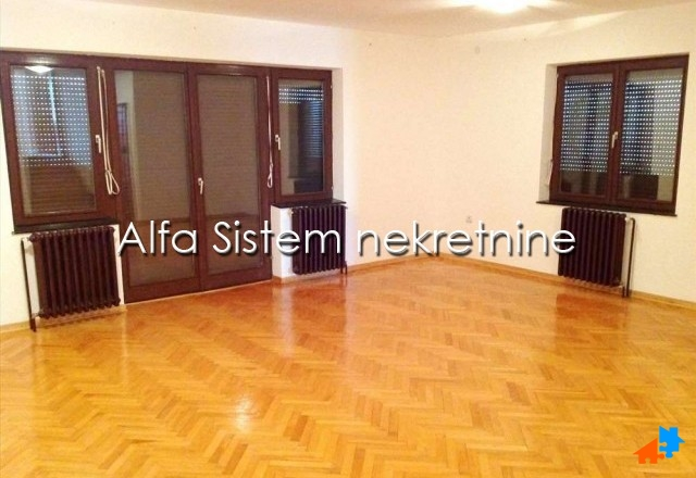 Kuća Zvezdara 1500 EUR