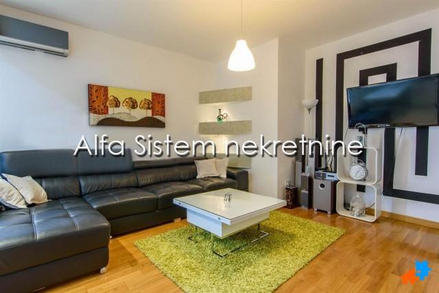 Stan Dvosoban Centar Strogi Centar 600 EUR