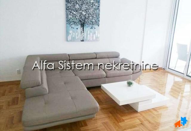 Stan , Beograd (grad) , Izdavanje   Stan Trosoban Hotel Jugoslavija 600 Eur