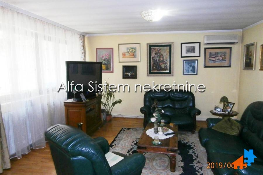 Rent, Lisičji potok, House