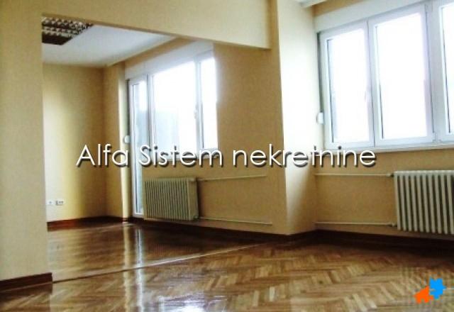 Poslovni prostor Centar Strogi Centar 650 EUR
