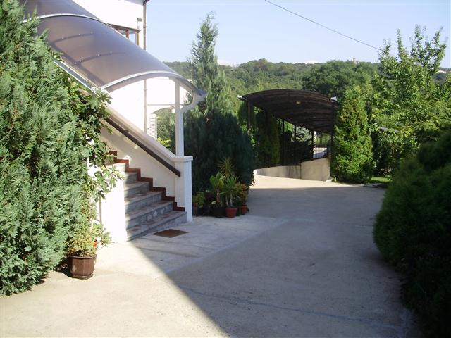 Kuća,Dedinje,2300 EUR